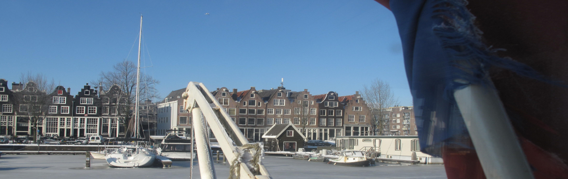 zandhoek with ice